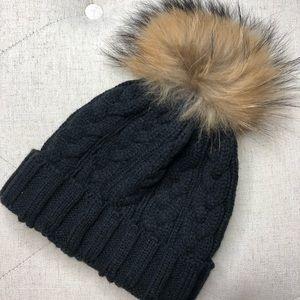 Accessories - Pom Pom hat